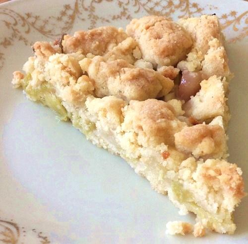 Rhabarberkuchen mit Vanillestreuseln: schnell, einfach, aus nur 6 Zutaten