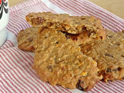 Möhren-Cookies - Kekse mit Haferflocken, Karotten, Rosinen, Zimt Apfelmus - ohne raffinierten Zucker