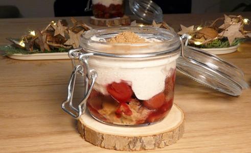 Vegan: Kirsch-Spekulatius-Tiramisu mit einer Creme aus Sojajoghurt