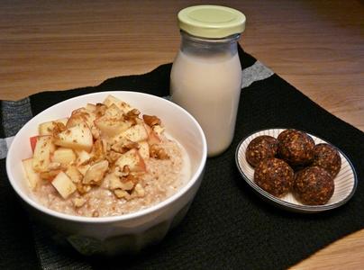Selbstgemachte Walnuss-Milch und Rezeptideen für Nussreste